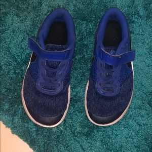 Nikeboys royal  blue shoes size 2.5y used